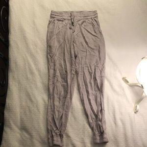 Talula/Aritzia Lounge Pants in Lilac